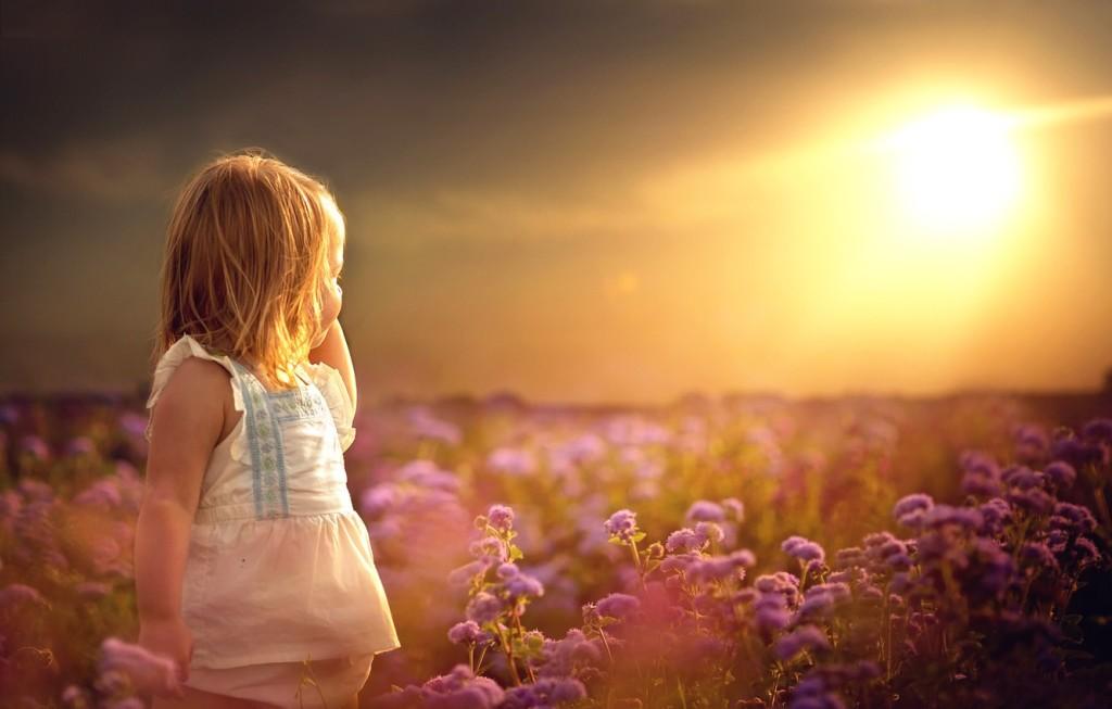 девочка у солнца